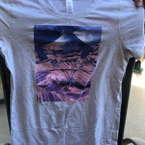 Ivivva tee shirt